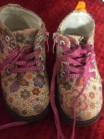детские весеннее ботинки