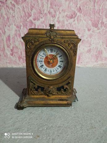 Продам часы старого вида