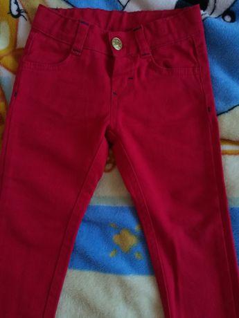 Брюки, джинсы на девочку 2-4 года