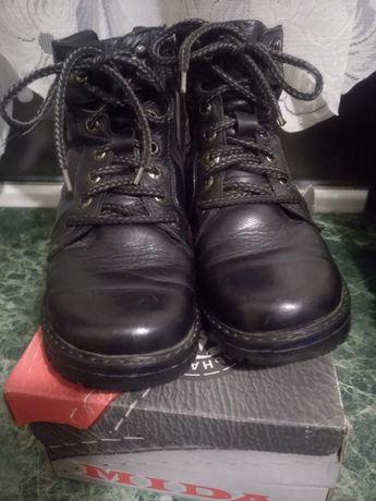 Продам, ботинки Мида 38 размер зимние .В хорошем состоянии  всё целое