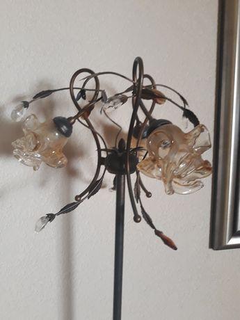Lampa podłogowa metalowa