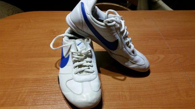 Buty sportowe Nike r. 37,5