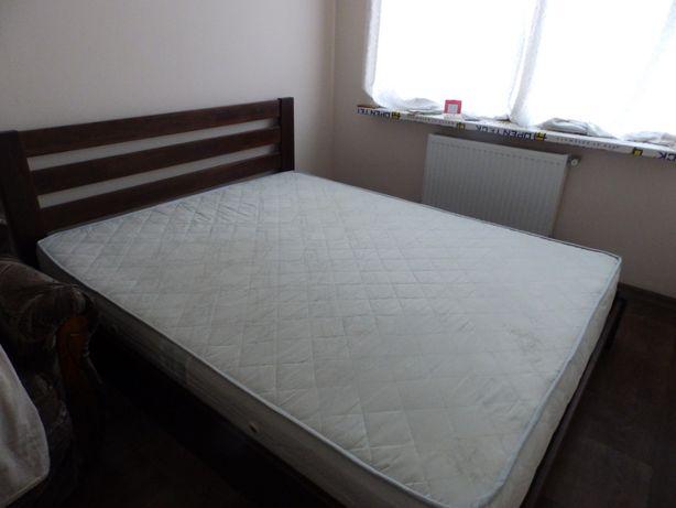 Продам двухспальную деревяную кровать 160х200 с подъемным механизмом
