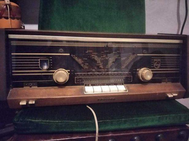 Radio Phillips de 1965 a funcionar perfeitamente