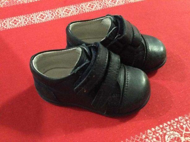 Sapatos ortopédicos em pele criança