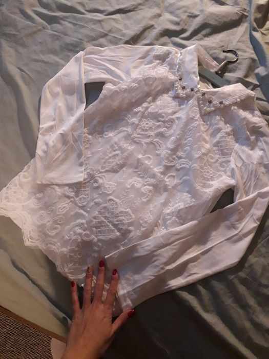 Biała bluzka perełki kołnierzyk z perełkami Wilkowyja - image 1