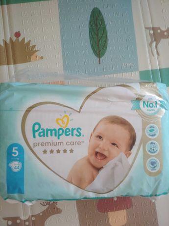 Памперс Premium care 5 ціна 350грн