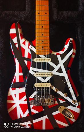 Gitara elektryczna Stratocaster Eddie Van Halen's + case