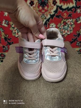 Кроссовки для девочки, р-р 30