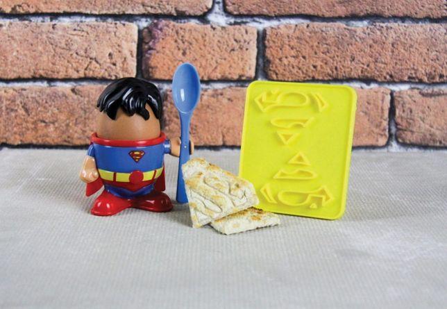 Kieliszek na jajko i wykrawacz do tostów Superman