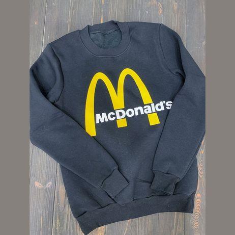 Черный свитшот на флисе с Макдональдсом р-р M Новый