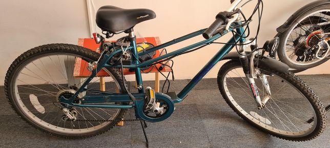 Bicicleta eléctrica para reparação/ peças