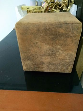 Puf cor carvalho (castanho)