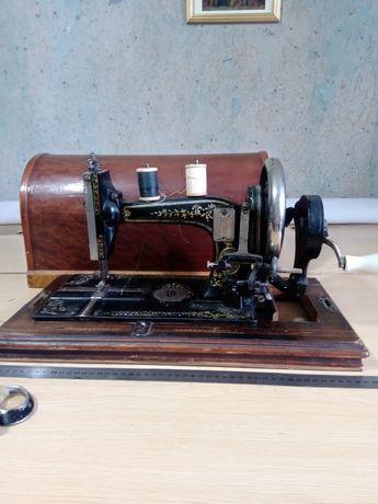 Швейная машинка Антикварная для коллекционеров