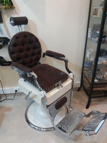 Vende-se cadeira de barbeiro