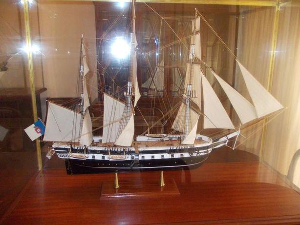Fragata D. Fernando II e Glória - Modelo á escala (1/76)