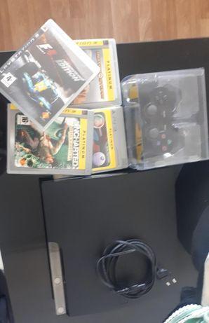 PS3 com 1 comando e 4 jogos