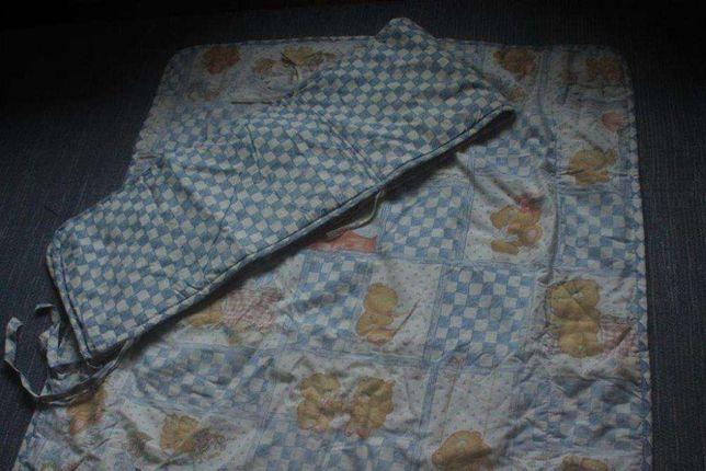 Cobertor, Colcha e Edredon + protector de grades para caminha de bebé.