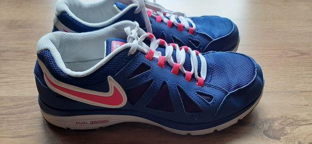Buty Nike Listo rozmiar 38,5