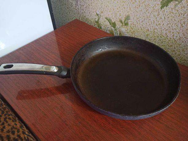 Сковорода  Tefal диаметр 28 см