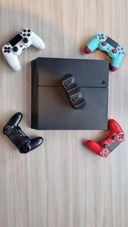 PS4     CUH-1216B   plus 3 pady  i ładowarka