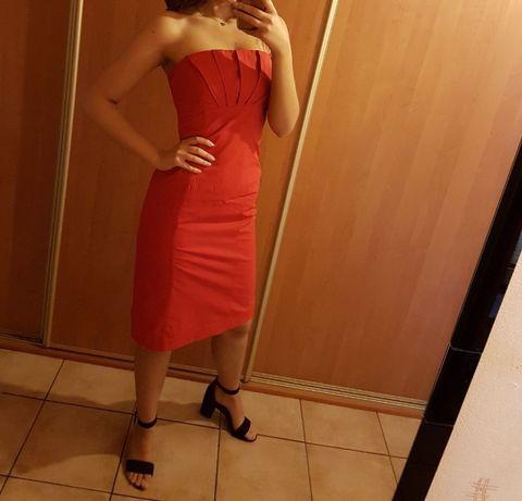 Czerwona sukienka firmy Tiffi, rozmiar S.