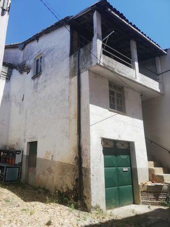 Casa para remodelar no Ferro / Covilhã
