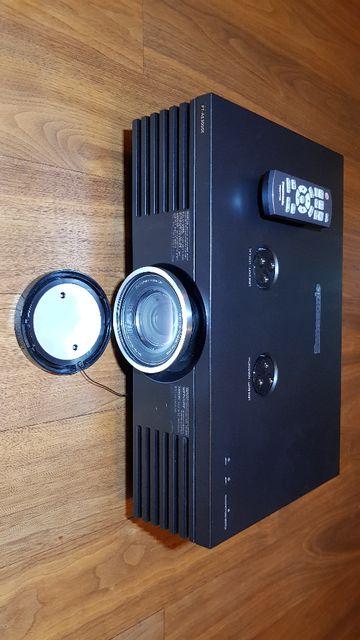 Projektor do kina domowego PANASONIC PT-AE 3000 + ekran 225cm