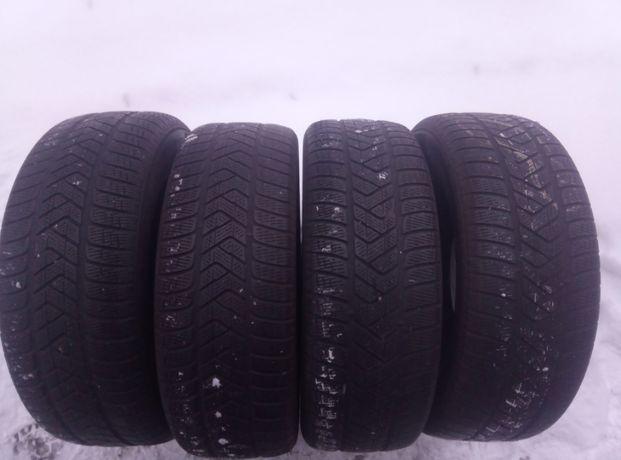 Używane opony zimowe 235/65R17 Pirelli Scorpion Winter komplet.