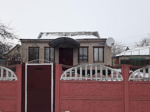 Продам дом в центре села Межирич или обменяю на 2-х комнатную квартиру