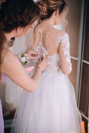 Весільна сукня неймовірно легка та ніжна