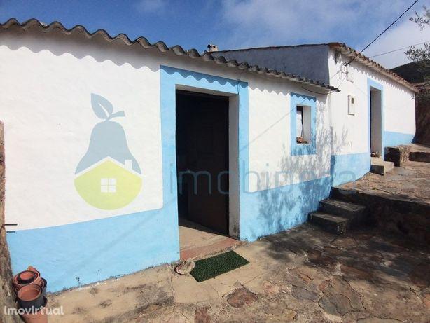 Algarve, Casa e terreno, na evasão da Serra de Monchique,...