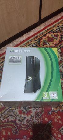 XBOX360 Slim 250 GB freeboot + LT 3.0