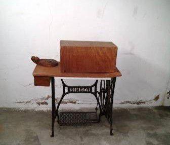 Máquina de Costura Singer de 1920 ou Troco