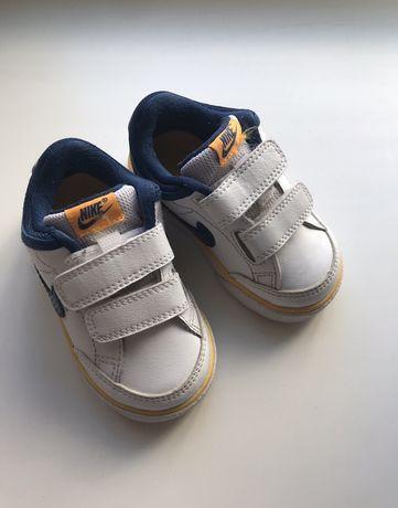 кроссовочки Nike