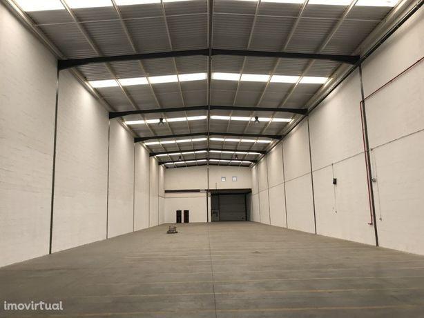 ALVERCA - Armazém com 1.193 m2