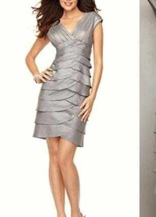 Невероятно красивое платье графитового цвета от adrianna papell