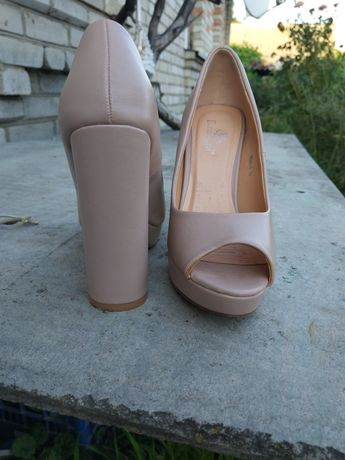 Туфли с открытым носком (35р)