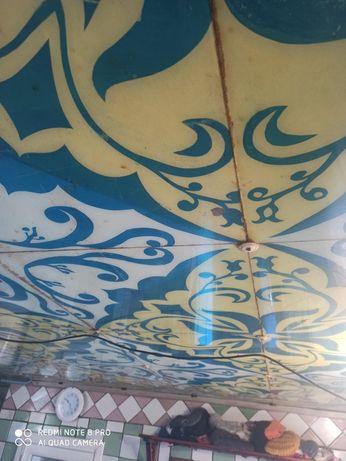 Підвісна скляна стеля з розфарбованими візерунками