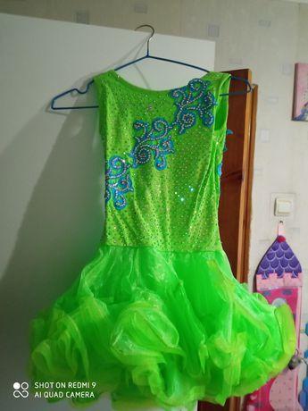 Платье в стразах,очень красивое