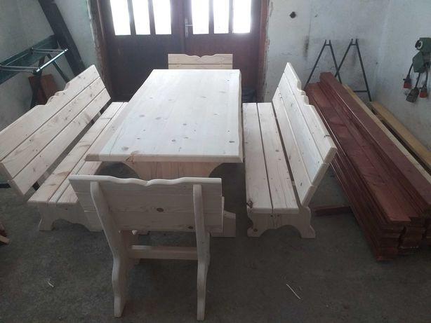 Komplet stół plus lawki