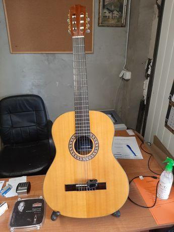 Gitara ta iki akustyczna