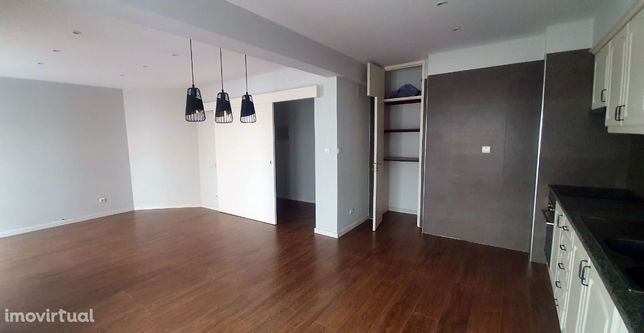 Apartamento T3 na Castanheira do Ribatejo
