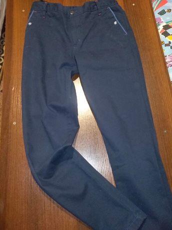 Spodnie wizytowe 152
