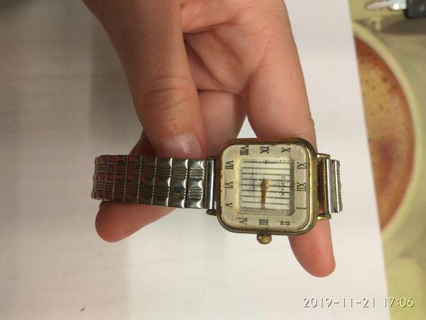 """Часы женские """"OMAX"""" японские, водонепроницаемые"""