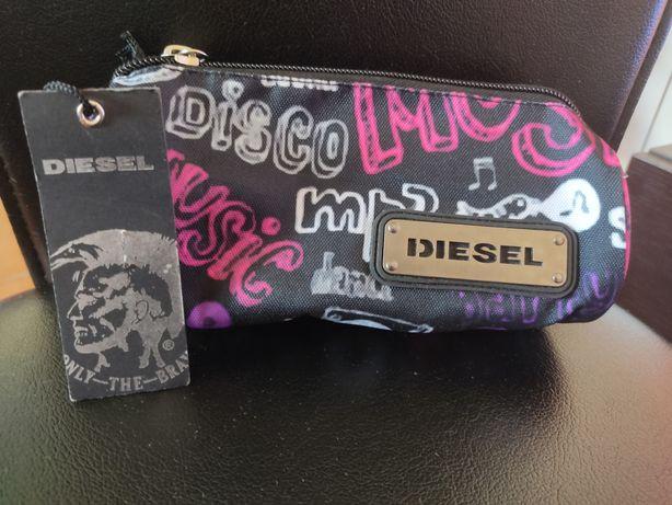 Estojo da marca diesel