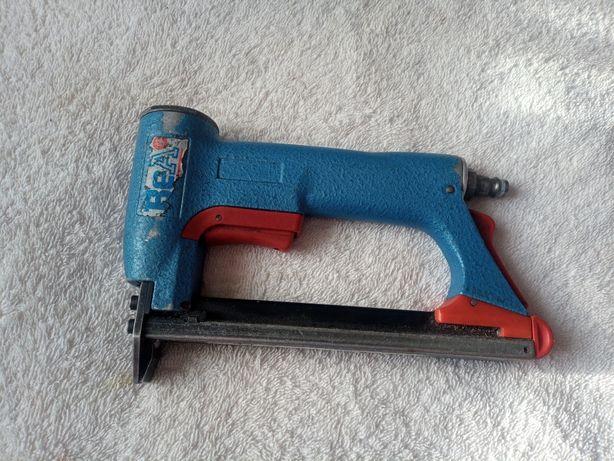 Пневматичний степлер Німецької фірми ВеА