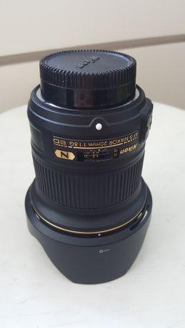 Nikon 20mm f1.8G