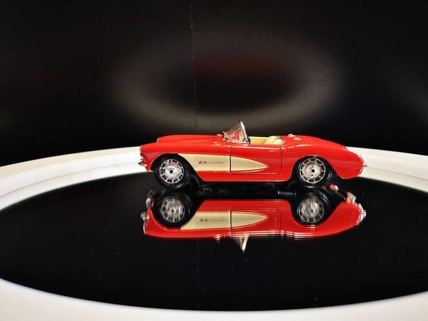 Linda miniatura Chevrolet Corvette - 1957 Bburago 1/24