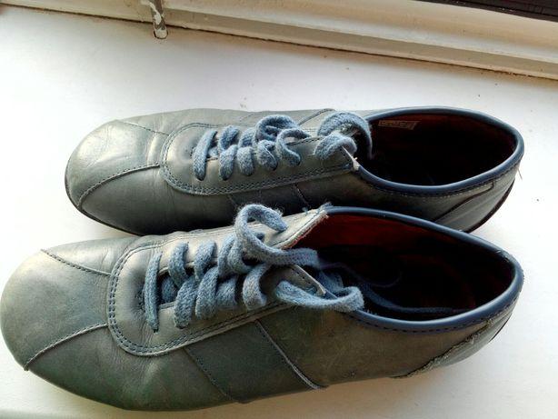 Черевики, туфлі, кросівки, макасіни. 36 розмір